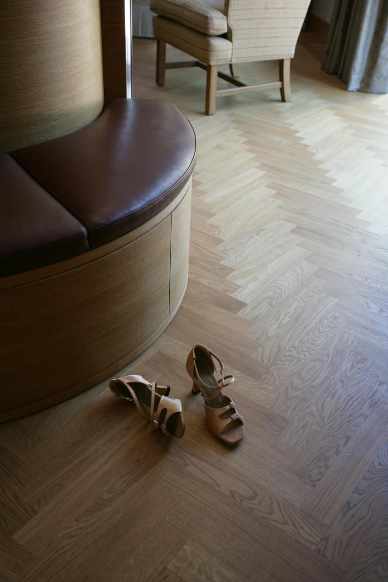 Ger en vacker yta som bevarar träets naturliga karaktär